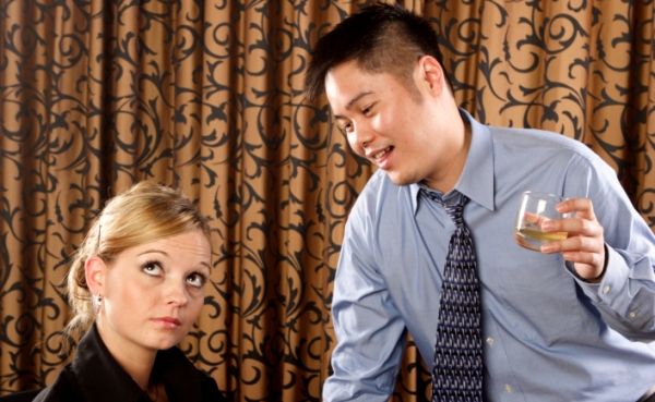 woman_man_boring_conversation_600x369
